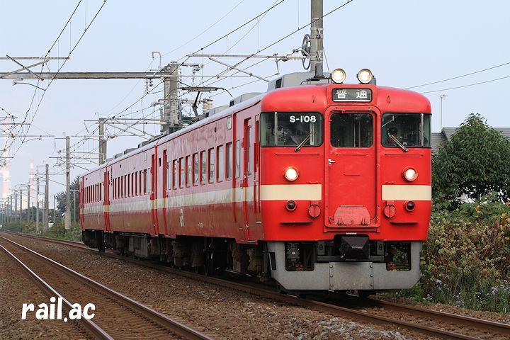 室蘭本線で運用されていた時の2代目塗色の711系