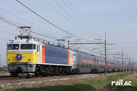 EF81カシオペア色牽引 カシオペア