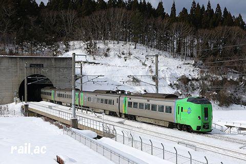 青函トンネルを抜けてきたJR北海道789系スーパー白鳥