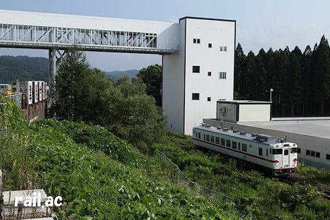 津軽今別・津軽二股付近を行く八戸運輸区所属盛岡色キハ40